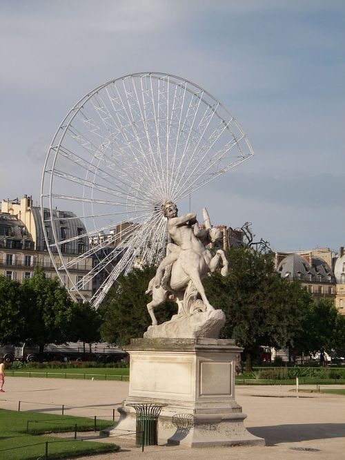 768px-jardin_des_tuileries_2_paris_2006